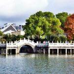 敬老卡坐捷運 碧湖公園:木造海盜船讓我們一起航進城市內的世外桃源!
